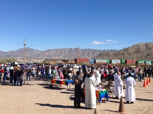 Bishops gather at Mass along the US-Mexico border