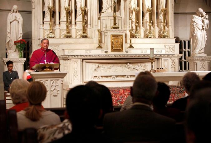 (CNS photo/Karen Callaway, Catholic New World)